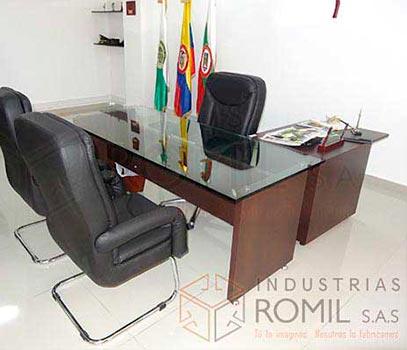 Escritorios gerenciales Industrias Romil Cali Colombia