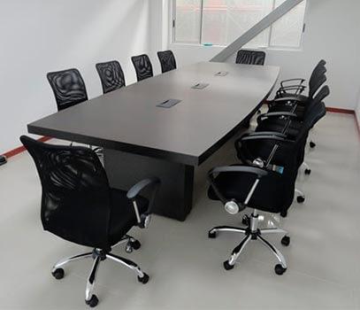 Mesas para juntas en vidrio y madera